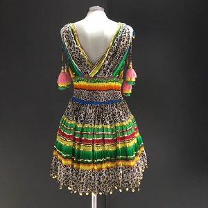 Vestido escote en v de print Georgette