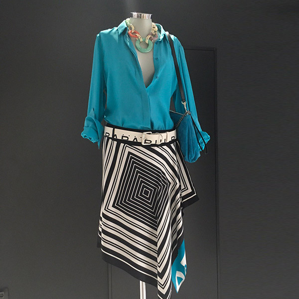 falda pañuelo con contraste turquesa